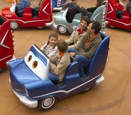 eindeloos plezier in cars quatre roues rallye on ride disneyland